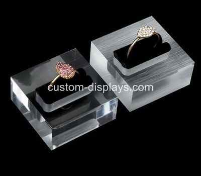 Engraved ring box CJD-012