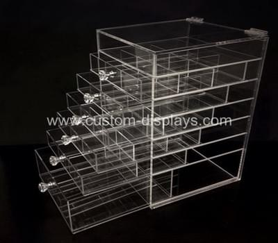 Makeup organiser with drawers