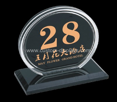 Plexiglass table numbers