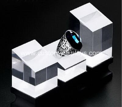 Ring hand display