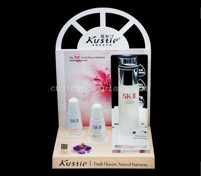 Cosmetic shop display stand
