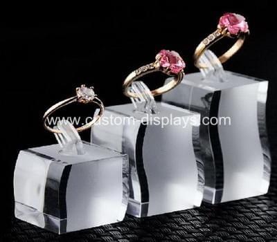 Elegant acrylic ring stand